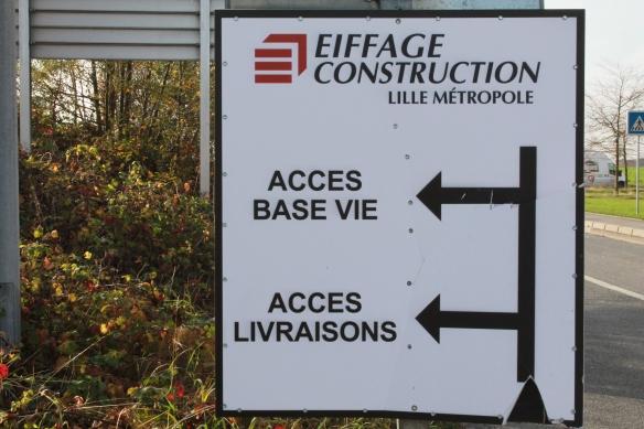 Panneau à l'entrée du chantier
