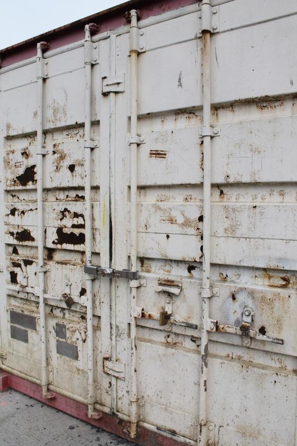 container pour affaires compagnons